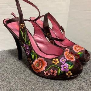 Betsey Johnson Embroidered Peep Toe Platform 8.5